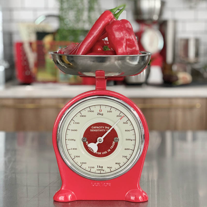 OLD FASHIONED SCALE RED