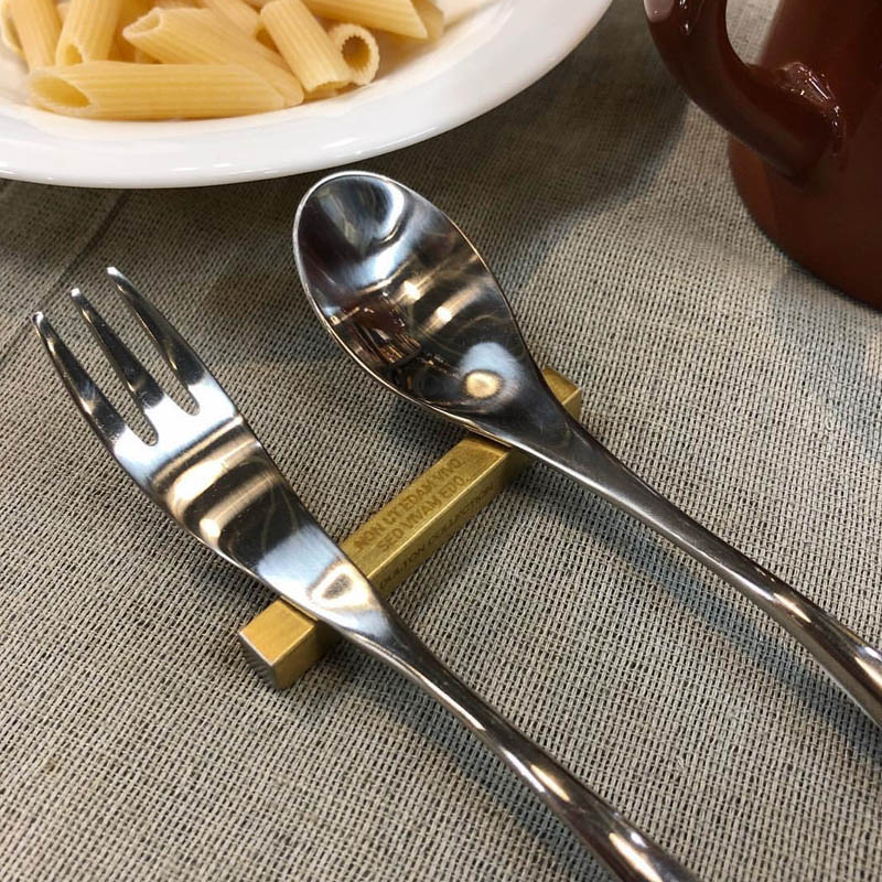 CUTLERY REST SQUARE MATT GOLD