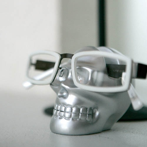 SKULL GLASSES HOLDER BLK