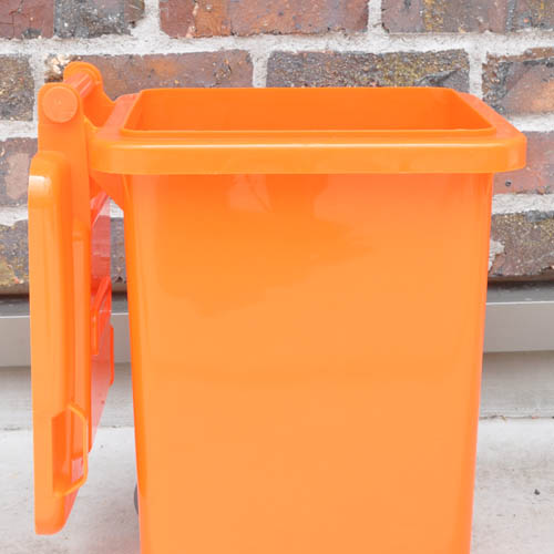PLASTIC TRASH CAN 18L RED
