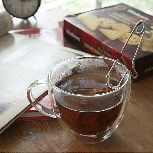 BENDING TEA STRAINER