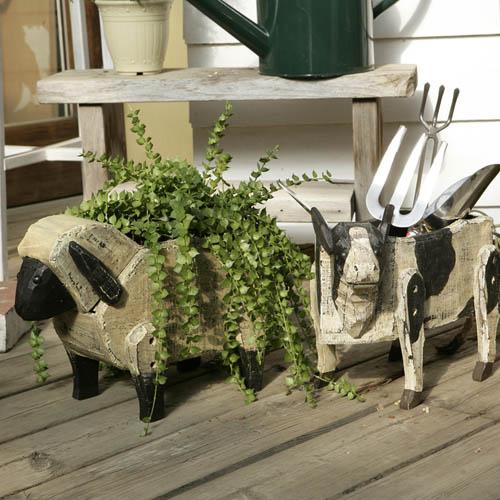 WOODEN SHEEP BOX