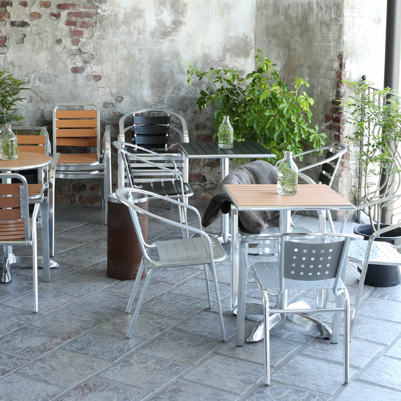 ALUMINUM CAFE TABLE SQ BK