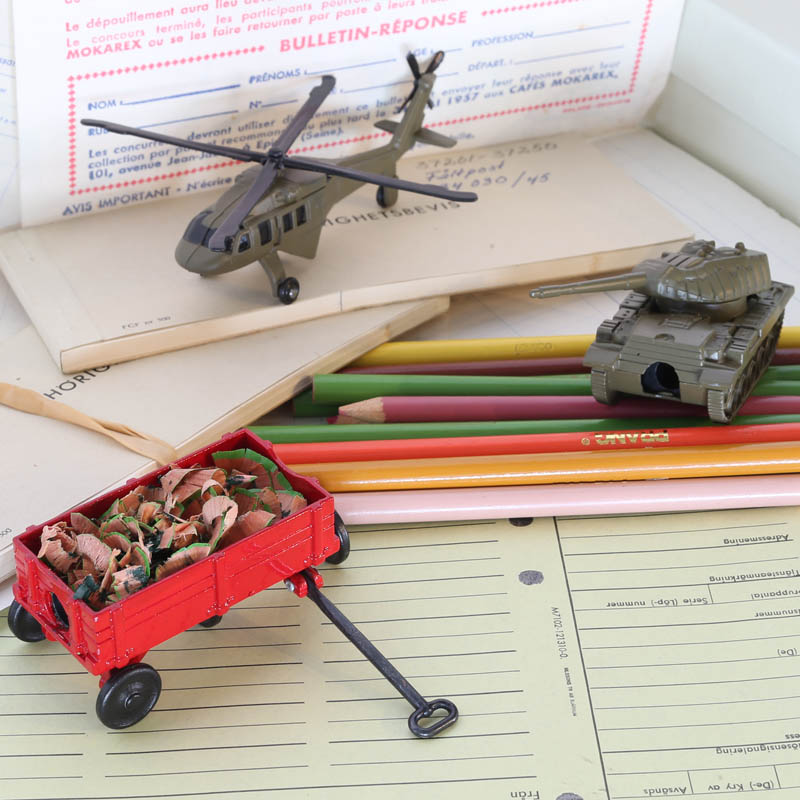 DIE CAST PENCIL SHARPENER AH-1